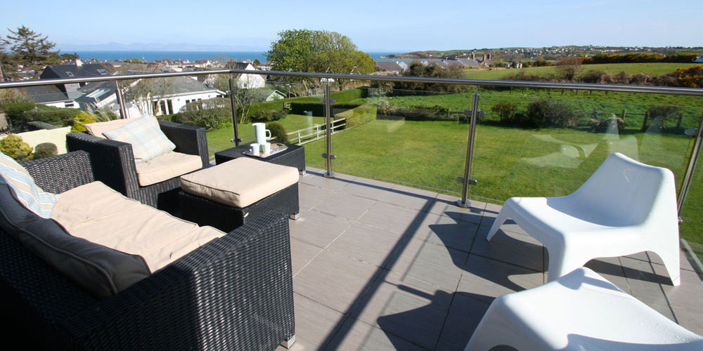 Absersoch holiday home interior, sleeps 7, sea view